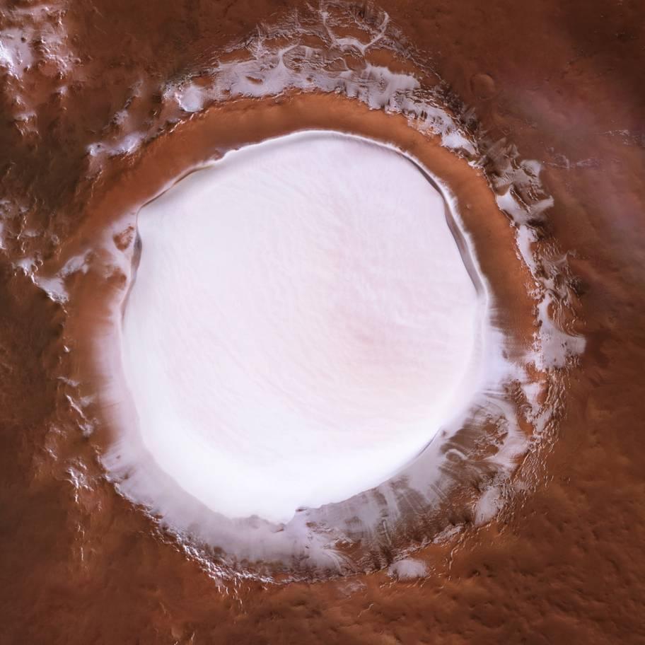 Crater Korolev en Marte con hielo